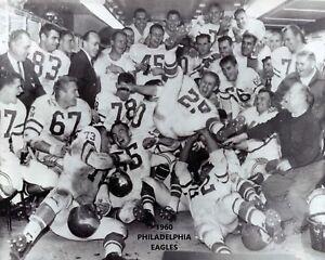 1960 PHILADELPHIA EAGLES 8X10 TEAM PHOTO FOOTBALL NFL PICTURE CHAMPS CELEBRATION