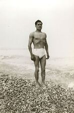 PHOTO ANCIENNE - VINTAGE SNAPSHOT - HOMME PLAGE TORSE NU MUSCLE MER - MAN BEACH
