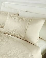 NEW PAIR OF REGENCY Woven Jacquard HOUSEWIFE PILLOWCASES COLOUR :  CREAM BNWT