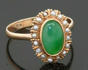 Vintage 14K gold 9.6 X 6.3mm Oval Green Jadeite jade/pearl cocktail ring size 7