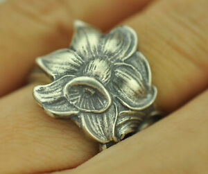 Beautiful 925 Sterling Silver Lily Flower Spoon Ring