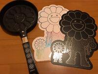 Takashi Murakami Flower Pancake Frying Pan Kaikai Kiki flower parent and child