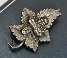1876 STERLING SILVER Unusual Hollow LEAF WITH BEE / FLY / INSECT / BUG Brooch