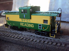Athearn 'Custom' Reading Wv Caboose with extras Look! Nice!