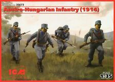 Austrohúngaro Infantería - 1914 (con armas) # 35673 1/35 Icm