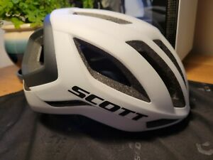SCOTT Centric Plus Cycling Helmet | PRE OWNED | Medium | White | MIPS