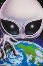 Poster: Science Fiction: Aliens Holding The Earth - Free Ship #3117 Rp89 R