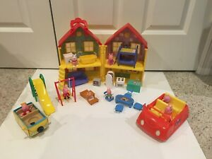 PEPPA PIG DELUXE HOUSE & MUSICAL CAR WITH  LOTS OF FURNITURE & ACCESSORIES
