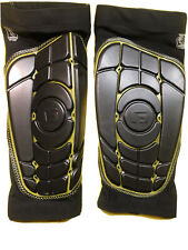 G-Form Pro-S Elite Shin Guards / Pads - Black, Size Large -Used -Open Box