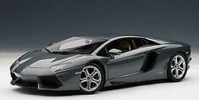 1/18 AutoArt Lamborghini Aventador LP700-4 / Grey Metallic