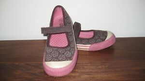 NWT CIRCO GIRLS SHOES FLORAL Pink CANVAS FLATS SNEAKERS YOUTH size 4 E03