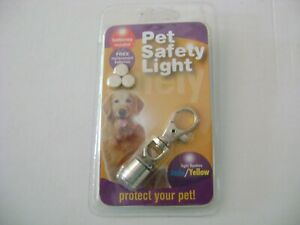 Pet Safety Light (light flashes jade/yellow) Includes 3-AG3 Batteries