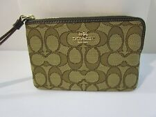 COACH SIGNATURE WRISTLET PURSE F58033 NEW WITH TAG
