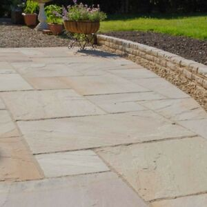 MINT ANTIQUED SANDSTONE PATIO PAVING SLABS - CALIBRATED STONE