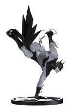 DC Collectibles - Batman Black And White - Batman Statue (Sean Murphy)