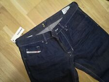 Diesel  Herren Jeans    Larkee    88z   49,00        Fehlerhaft      1  22