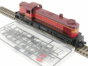 Kato Diesel #55 Chicago Great Western USA Dss DCC Digital Boxed 1610-07-41