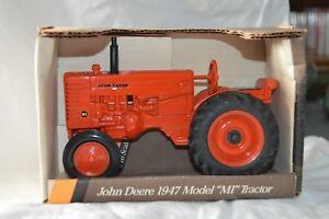 Ertl 1:16 John Deere 1947 Model MI Tractor