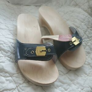 NWT - VINTAGE WOMENS DR SCHOLLS EXERCISE SANDALS NAVY SIZE 9 - MADE IN AUSTRIA