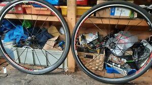 Mavic aksium 700c road bike wheelset + conti tyres and tubes