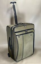 "Victorinox Werks Traveler 3.0 24"" Expandable Upright Suitcase Olive /Black"