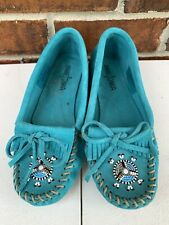 Minnetonka Soft Sole Suede Beaded Moccasins Peace Sign Turquoise Size 6 Shoes