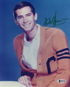 ANTHONY PERKINS SIGNED AUTOGRAPHED 8x10 PHOTO NORMAN BATES PSYCHO BECKETT BAS