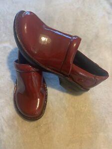 BOC Born Concepts Womens Faux Patent Leather Peggy Clogs Shoes Size 7.5