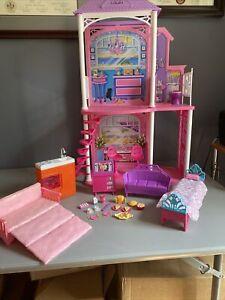 2011 Mattel Barbie 2 Story Beach House Playset w/Furniture & Accessories NICE!!!
