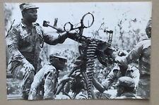 PHOTOGRAPHIE DE PRESSE SYGMA - ARMEE TANZANIENNE EN OUGANDA EN OCTOBRE 1979 *