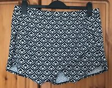 New Look Skort Size 14 Shorts Geometric Black White High Waisted Wrap Front