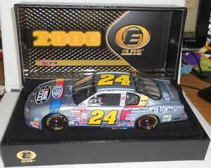 2000 JEFF GORDON #24 SILVER DUPONT NASCAR 2000 1:24 RCCA ELITE - Serial # 4397