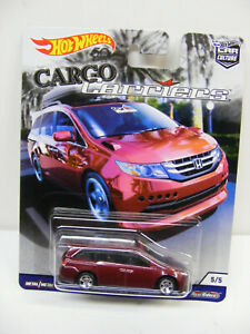 Hot Wheels 1/64 Cargo Carriers Honda Odyssey Red Real Riders #5/5