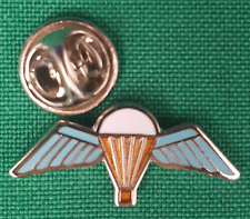 Parachutists Paras Wings Lapel Pin badge in Pouch Gift Idea