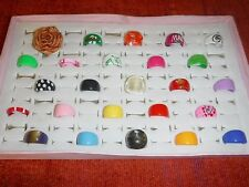 COOL WHOLESALE VINTAGE COLLECTION 25 LUCITE RINGS FUNKY GROUP Q MIXED SIZES