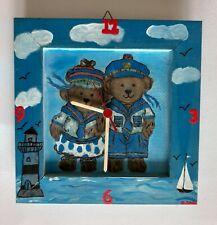 Kinderzimmer Wanduhr mir Bärenpaar (25 x 25 cm)