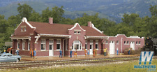 Walthers 933-3805 Santa Fe-Style Brick Depot w/Freight - N Scale - New Old Stock