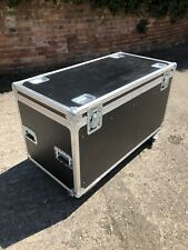 LARGE HEAVY DUTY TRUNK  FLIGHTCASE ON WHEELS WITH DIVIDERS