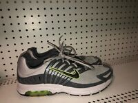 Nike Air Max Run Mens Athletic Running Training Shoes Size 11 Gray Black Volt