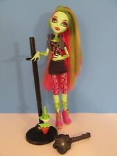 Monster High - VENUS McFLYTRAP Signature Doll 1st RELEASE 2012 - Green Skin