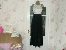 CHRISTMAS PARTY DRESS BY QUIZ  BLACK/WHITE MAXI DRESS SIZE 6/8 BXN