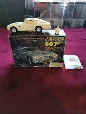 James Bond Airfix original box Aston Martin Db5 la macchina è danneggiata