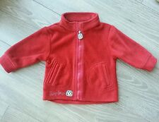 Gilet polaire rouge DPAM 6 mois, tbe