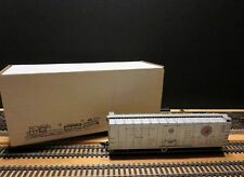 """AHM / Lima HO Scale 50' Vintage Refrigerator Car """"Northern Pacific"""""""