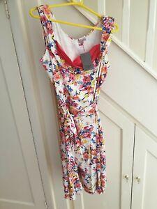 BNWT SIZE 16 WHITE Floral Rockabilly 50s Retro Swing Dress