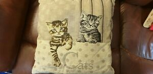 Cat cushion with 2 cats tapestry in beige - word 'Cats' gold back