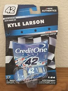 2019 Wave 2 Kyle Larson CreditOne Bank Stars Chicagoland 1/64 NASCAR Authentics