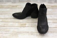 Born Pourri Boots, Women's Size 9.5 M, Black (REPAIR)