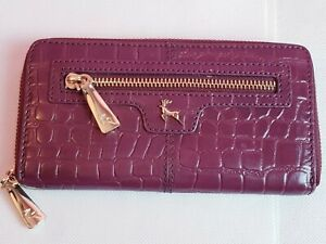 Ashwood Leather Burgundy Croc Pattern Logo Compartment Purse Wallet 7.5 ×4 in