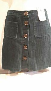 Dark Green cord Skirt.  Size 6. Denim & Co. New